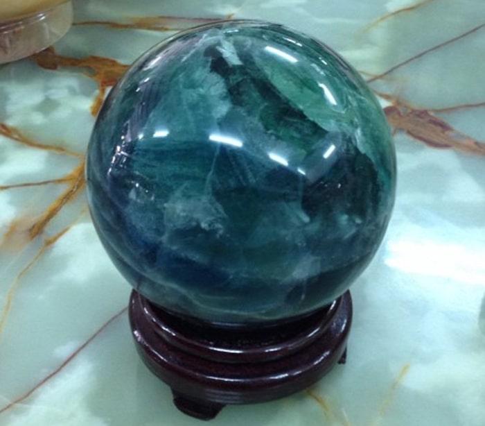 Ý nghĩa của quả cầu thủy tinh trong phong thủy