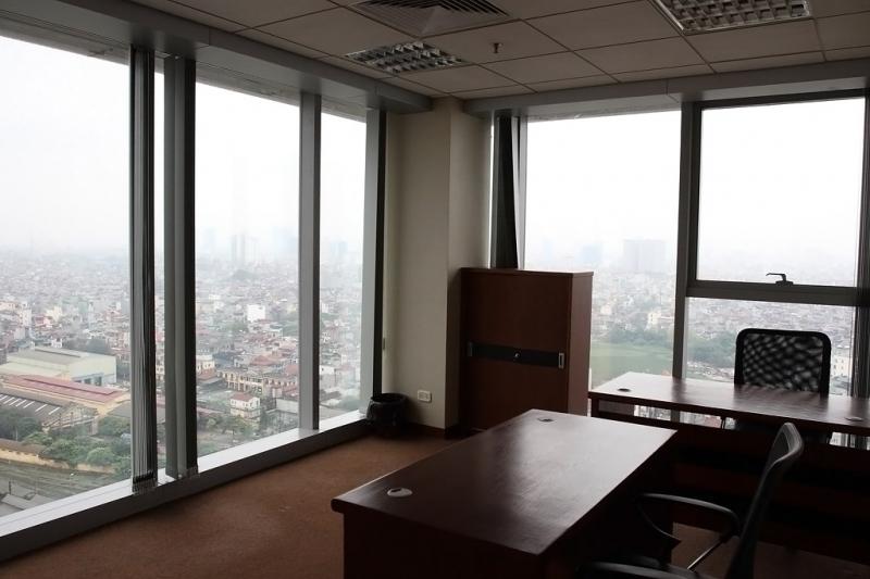 Văn phòng thuộc tòa nhà Công Ty CP Đầu Tư HimLamBC cho thuê.